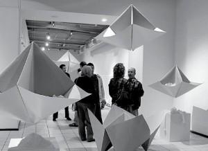 En blanco at Galería de la Ciudad, ICBC (Photo La Crónica) 1.2010